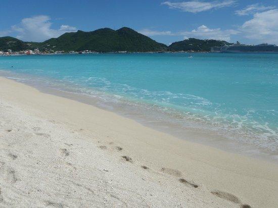 Sonesta Great Bay Beach Resort, Casino & Spa: The beach