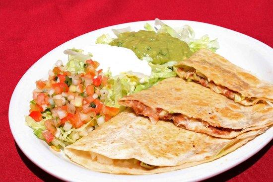 Las Brasas Mexican Restaurant: Chicken Quesadilla