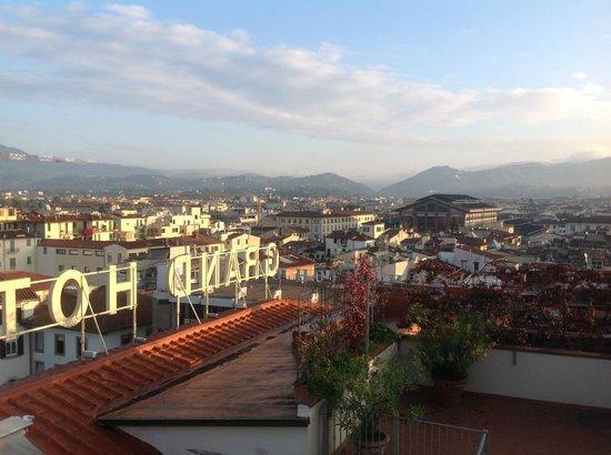 Grand Hotel Baglioni Firenze: Terraza