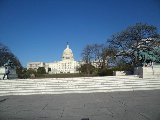 Ulysses S. Grant Memorial: Part of the memorial from the front with the Capitol in the background.