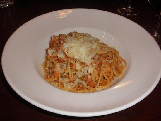 Giorgio's Trattoria: Spaghetti with meat sauce