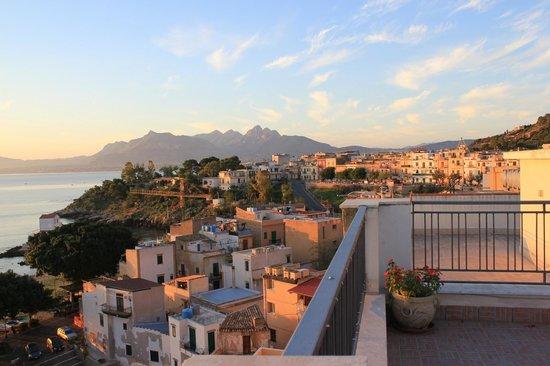 La Caletta: Santa Flavia at sunrise from terrace