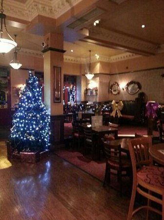 Sir Percy Florence Shelley Wetherspoons: Festivities