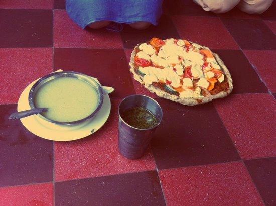 Yoga Sanctuary: La deliciosa Pizza vegetariana del santuario del Yoga!