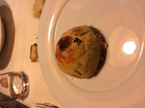 CAMINETTO : Millefoglie di filetto e carciofi in crosta