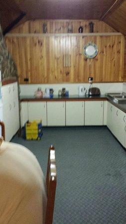 A Settlers Cottage: Rose Cottage - Kitchen