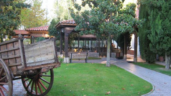 Real Monasterio San Zoilo: Part of hotel grounds