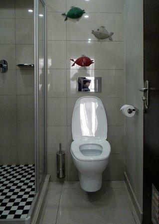 A'Zambezi River Lodge : bathroom