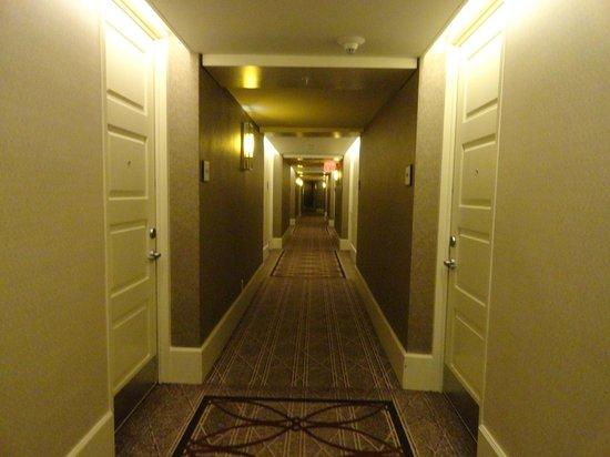 Sheraton New York Times Square Hotel: Corredores