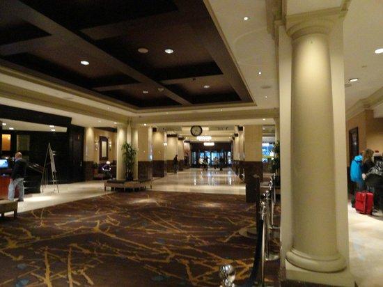 Sheraton New York Times Square Hotel: Lobby