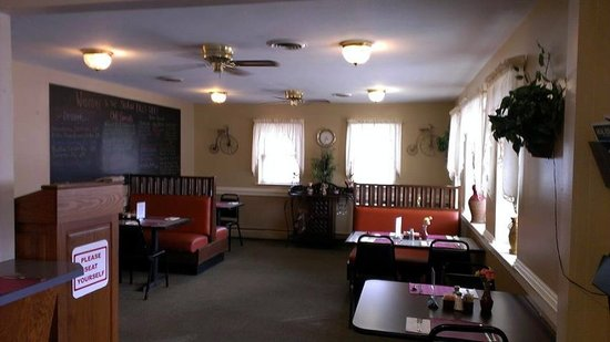 Salmon Falls Cafe: Dining Room at the Cafe