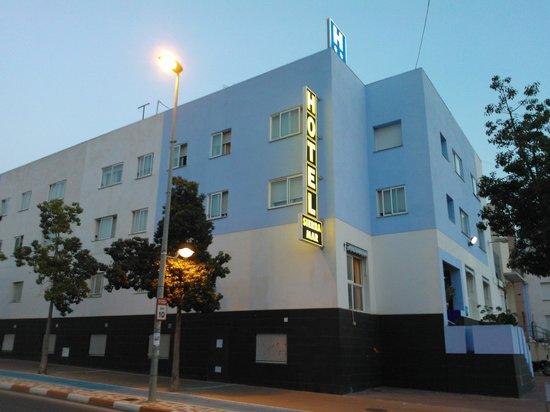 Hotel Sierra Mar: Fachada principal