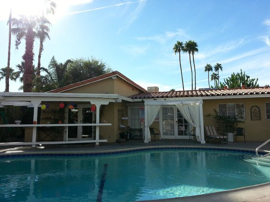 La Dolce Vita Resort & Spa: looking at the reception/social hour area