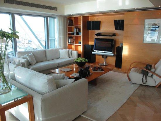 Hotel Arts Barcelona: Living Room