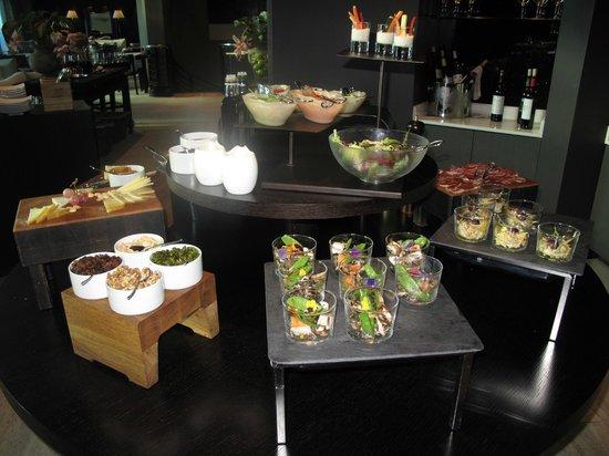 Hotel Arts Barcelona: Club Room Tapas