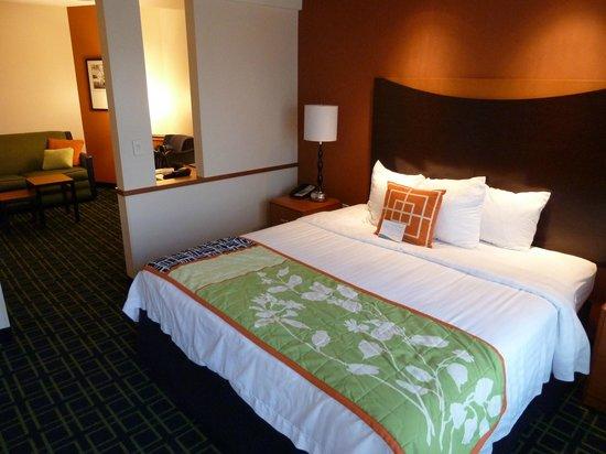 Fairfield Inn & Suites Strasburg Shenandoah Valley: Bedroom area