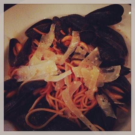 Catch Oyster Bar: spaghetti with oysters