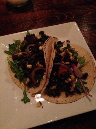 Henry Street Taproom : Swordfish tacos