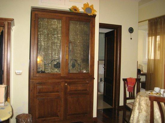 Al Colonnato di San Pietro Bed and Breakfast: Partial shot of the room