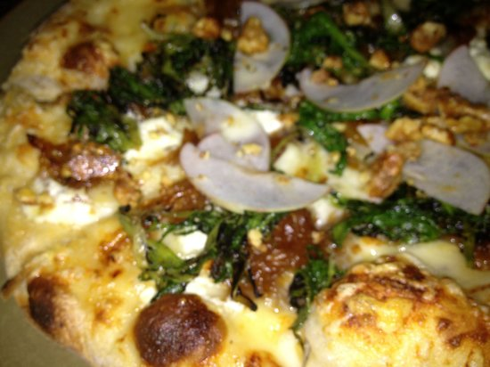 Restaurant 1833 : Grilled eggplant, basil pesto, goat cheese, and pickled peppers pizza!