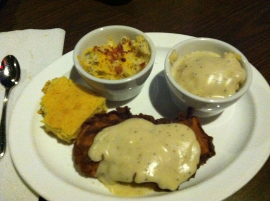 Effin Texas Bar: Chicken fried chicken with Mac n cheese and mashed potatoes and gravy. Delicious! The sides were