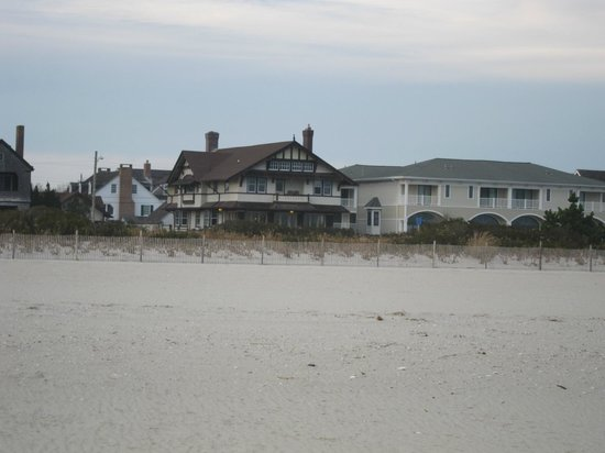 Rhythm of the Sea : A view of the Inn from the beach.