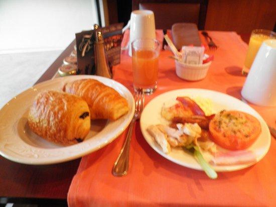 Hotel Aston La Scala : 朝食