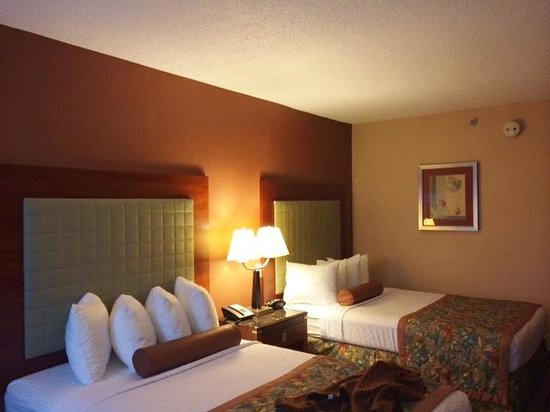 Best Western Plus Inn at Valley View : guest room