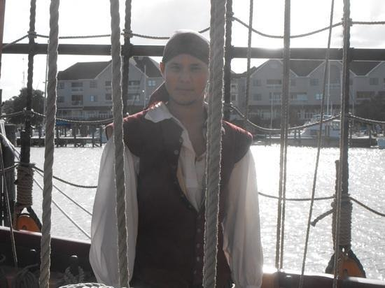 Roanoke Island Festival Park: A Crew Member Of The First Colony