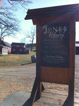 Jones Family Farm: welcome
