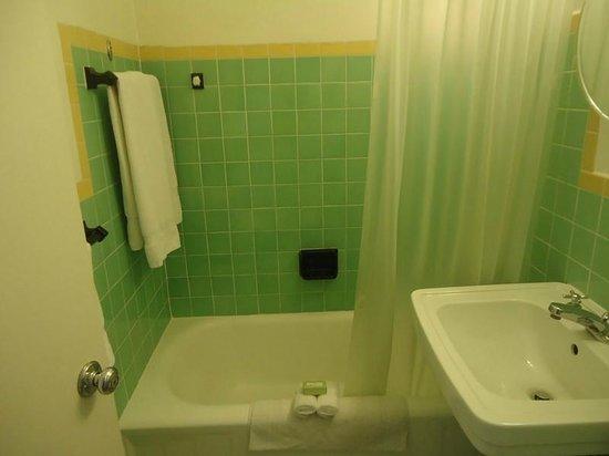 Richmond Hotel: Banheiro