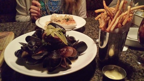 Terra: Moules frites and lamb mac