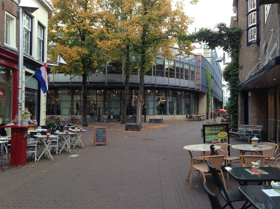 Holiday Inn Express Arnhem: City center Arnhem - a 1 minute walk from Hotel