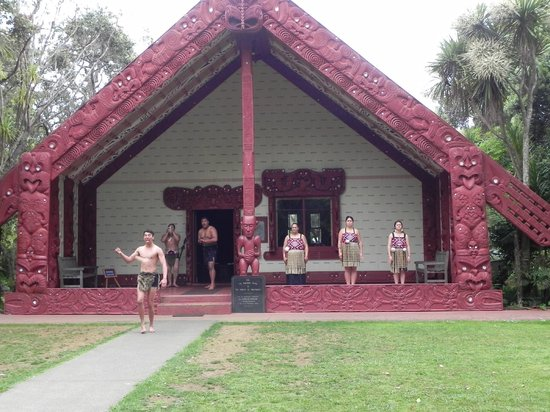 Waitangi Treaty Grounds : Welcome at the meeting house
