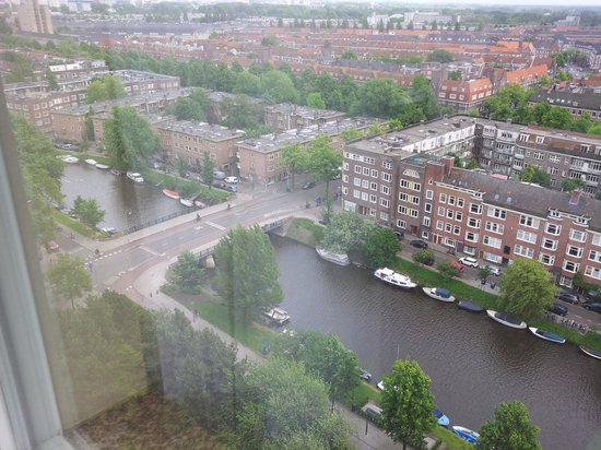 Hotel Okura Amsterdam: View of the canal from above