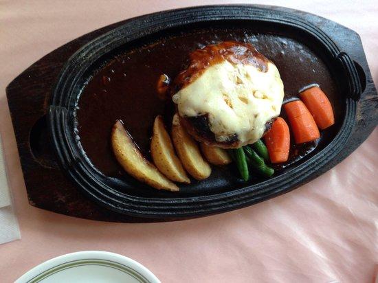 Takase, Itabashi: チーズハンバーグ ¥1150