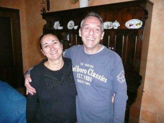 B&B Il Casale Dei Fiori: Barbara & Gianluca