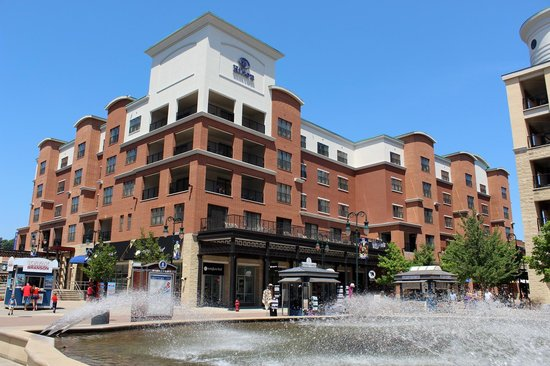 Hilton Promenade at Branson Landing: Hotel