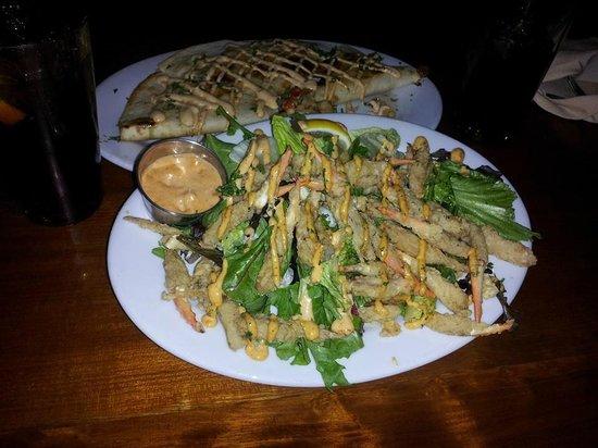Hemingway's Island Grill : Crab Claws w/amazing sauce and Tortuga Quesadilla