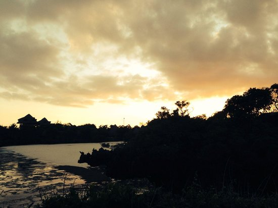 The Sands At Chale Island: Sunset on Chale