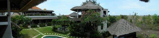Hill Dance Bali, American Hotel: Villa surroundings