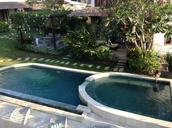 Hill Dance Bali, American Hotel: the mini swimming pool