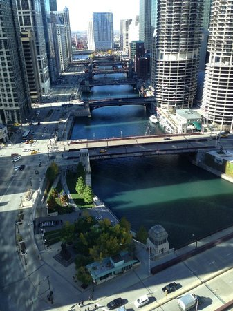 Wyndham Grand Chicago Riverfront : 28th floor River View