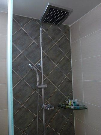 Sieoso Hotel: Rainfall shower head