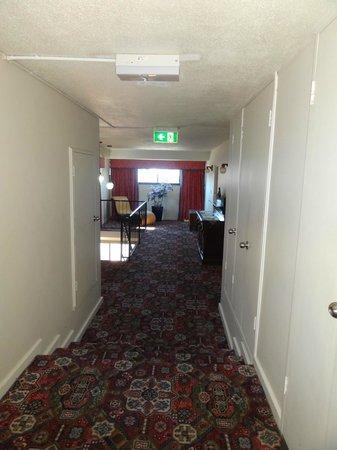O'Shea's Royal Hotel: Hallway
