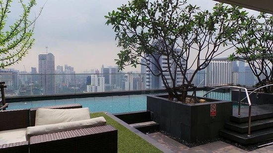 39 Boulevard Executive Residence Hotel: Swimming pool area