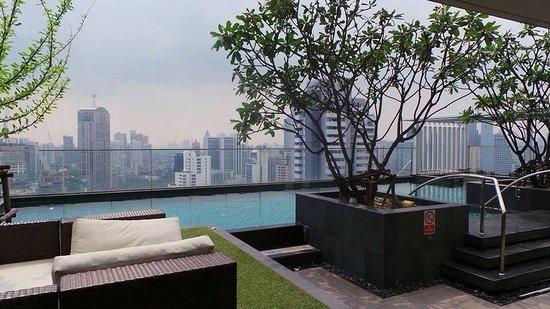 39 Boulevard Executive Residence Hotel : Swimming pool area