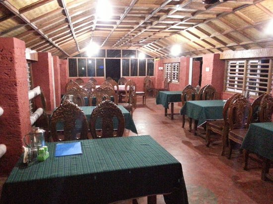 Majali Beach Village : Restaurant for guest