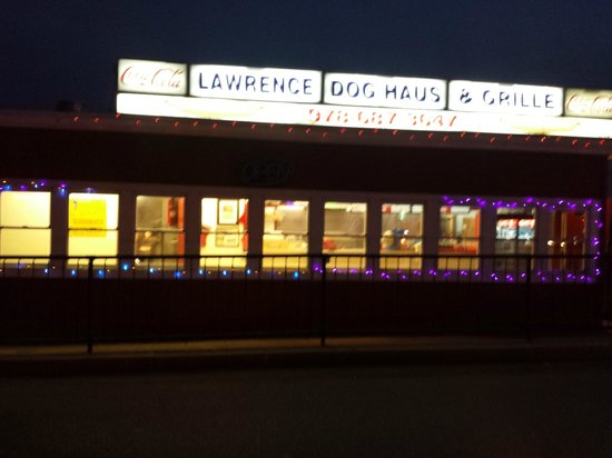 Lawrence Dog Haus & Grill: nov 013