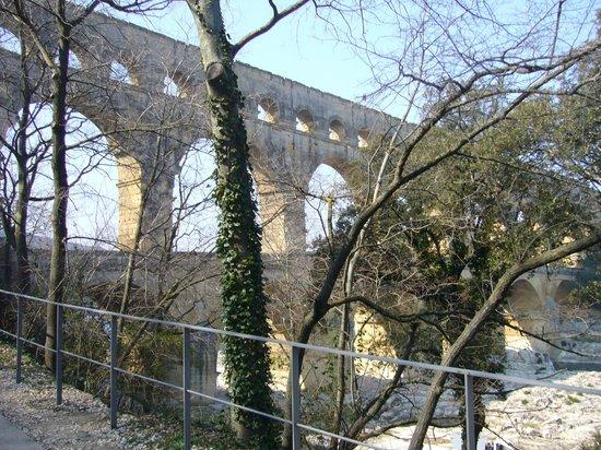 Pont du Gard : Величественный Пон дю Гар
